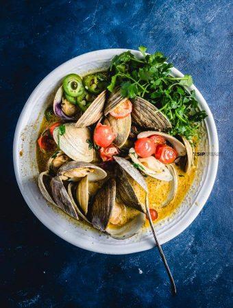Easy Thai Green Curry Clams