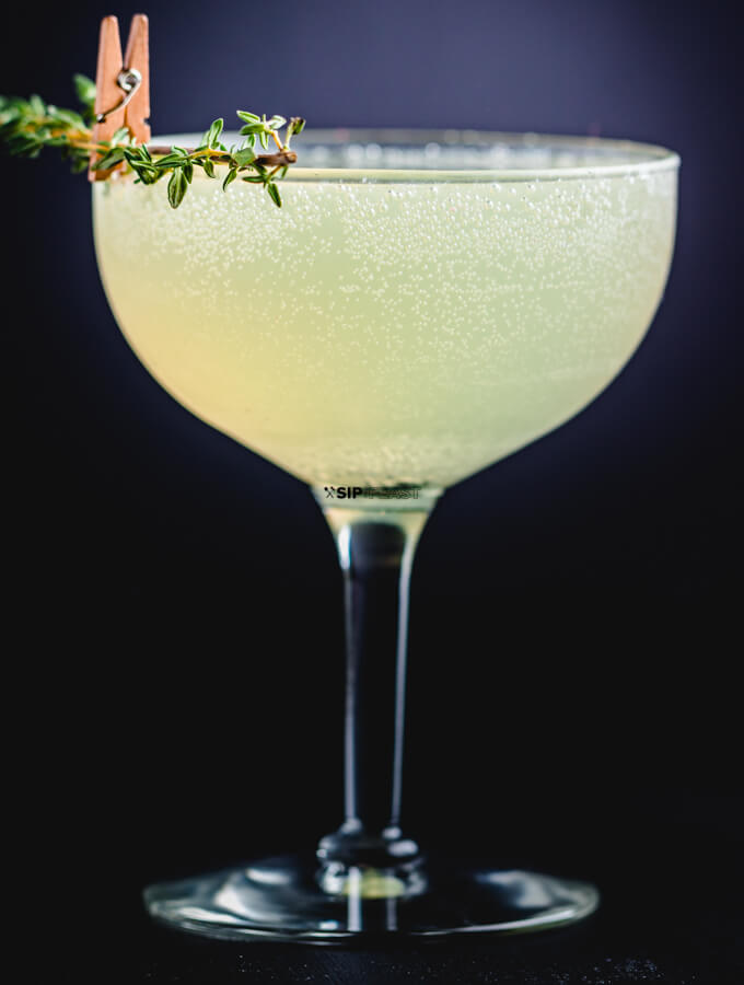Sparkling Lemon Thyme Cocktail featured image.