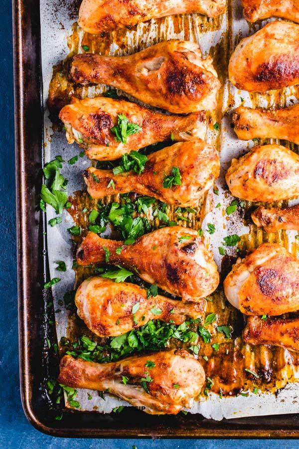 Simple and delicious crispy baked chicken legs with Cajun seasoning. #chicken #drumsticks #blackened #bakedchicken #roastedchicken #easyfood #dinnerideas