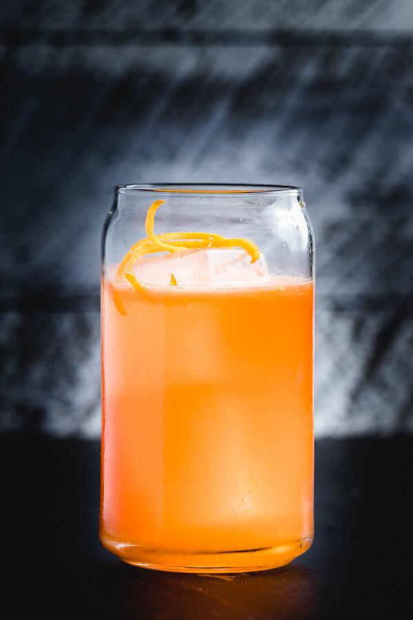 Italian Margarita - A twist on the Margarita and Negroni cocktails. #cocktail #drink #Italian #negroni #margarita #orange #campari #tequila