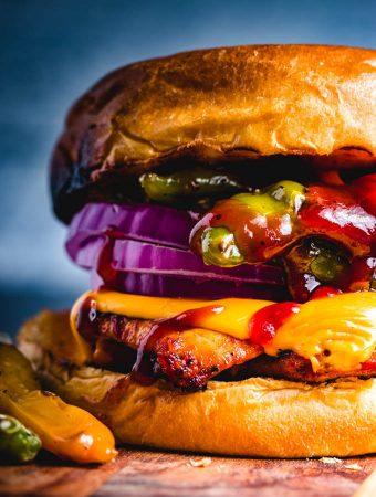 Blackened chicken sandwich featured image.