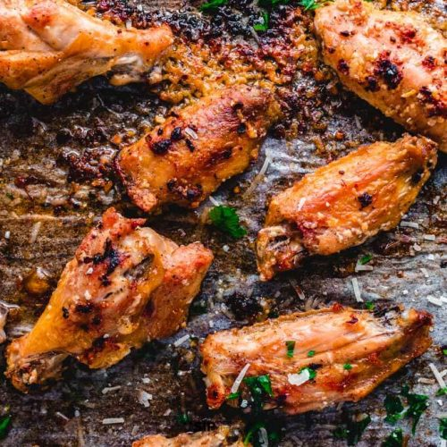 Garlic parmesan chicken wings featured image.