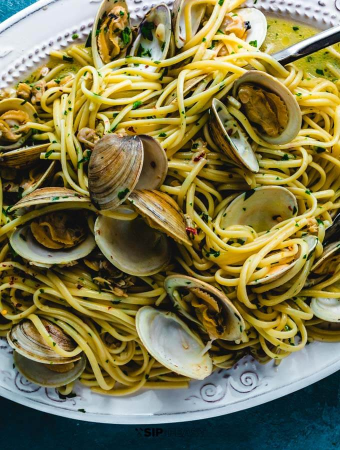 Linguine alle vongole plated.