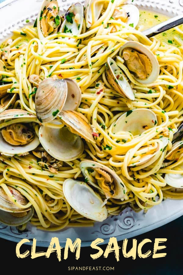 Linguine Alle Vongole is such a classic Italian recipe.  Made with fresh clams, their juice, garlic, parsley and a touch of white wine.  A great recipe all year round but especially perfect in the summer when looking for a lighter pasta dish. #sipandfeast #pastarecipe #clams #vongole #allevongole #whiteclamsauce #linguine #italianfood