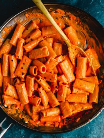 Rigatoni alla vodka featured image.