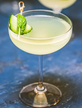 Limonata basil cocktail featured image.