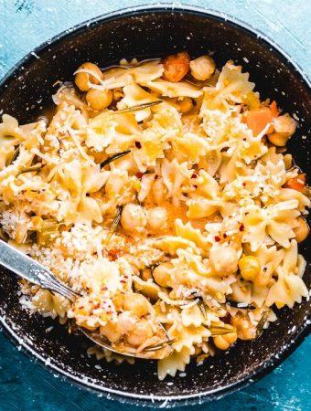Pasta e ceci featured image.