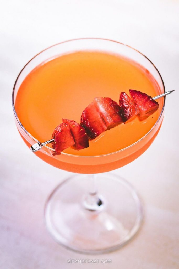 Strawberry lemonade vodka recipe Pinterest image with no text.