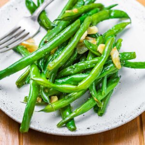 Italian green beans in pan featured image.