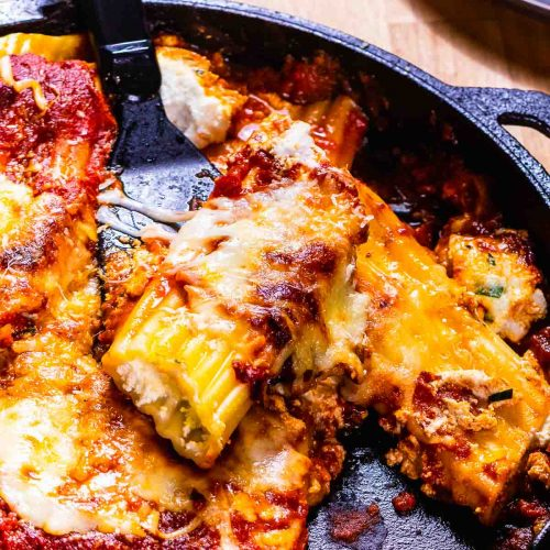 Baked manicotti featured image.