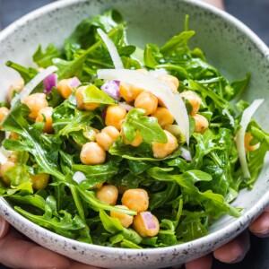 Chickpea arugula salad featured image.