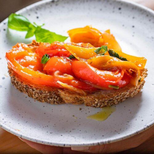 Peperonata recipe featured image.