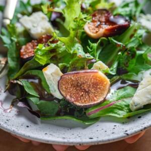 Roasted fig salad featured image.