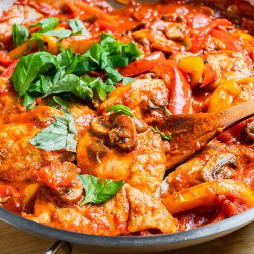 Chicken pizzaiola featured image.