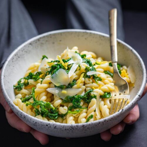 Lemon arugula pasta featured image.