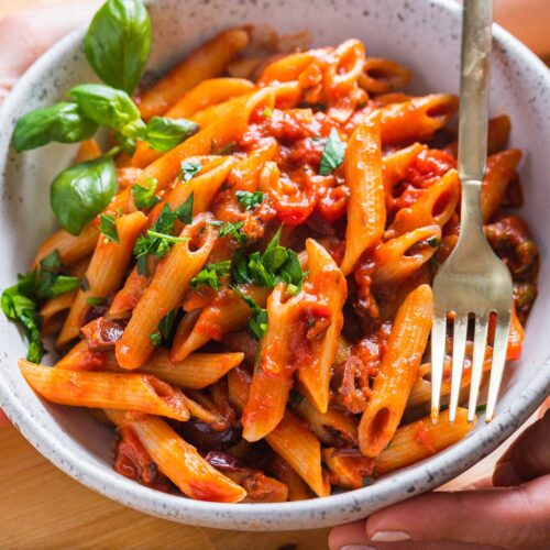 Penne Puttanesca featured image.